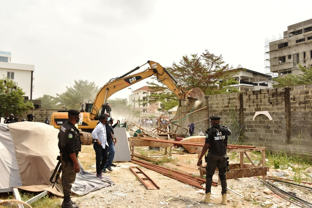 Lagos Demolishes Banana Estate Structures Without Building Permits