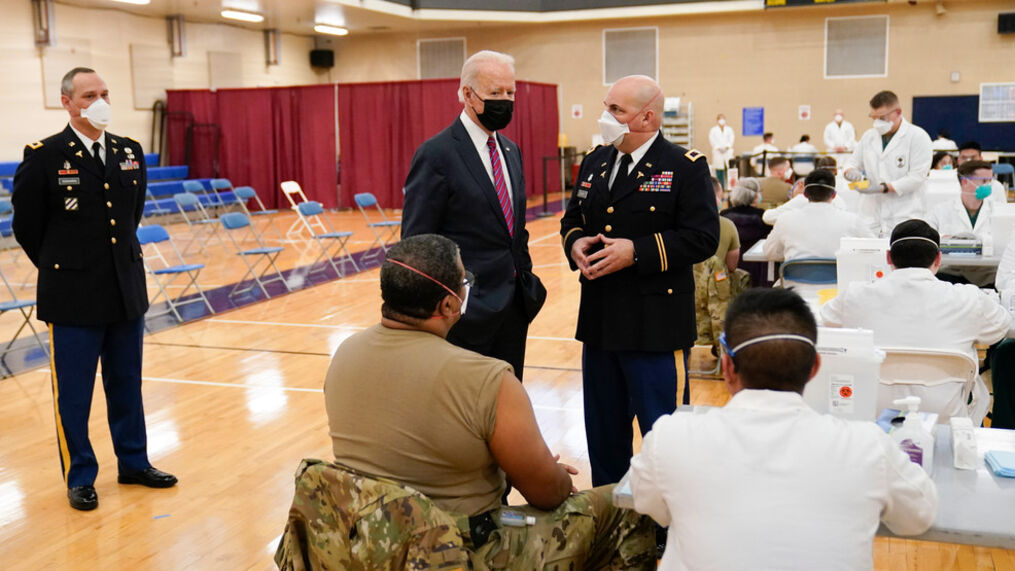 Biden Visits Wounded Soldiers In Hospital
